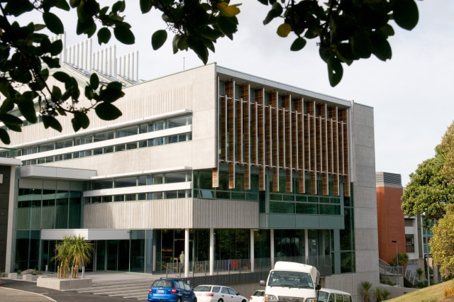 The Alan MacDiarmid Building at Victoria University of Wellington, where I work. It rocks and rolls in an earthquake (I experienced a 6.6 in mid 2013) but doesn't crunch and grind. Photo Victoria University of Wellington.